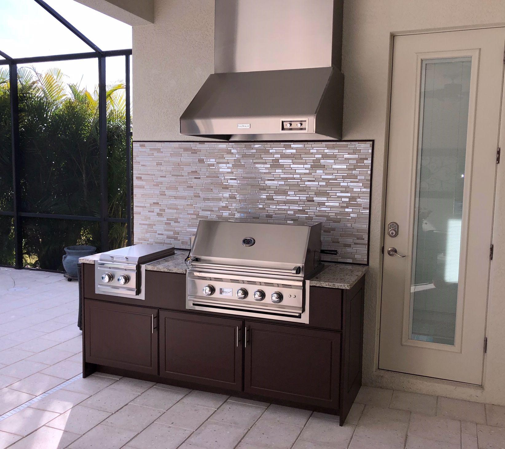Brown Outdoor Kitchen With Backsplash Kitchen Backsplash Brown Kitchens Outdoor Kitchen