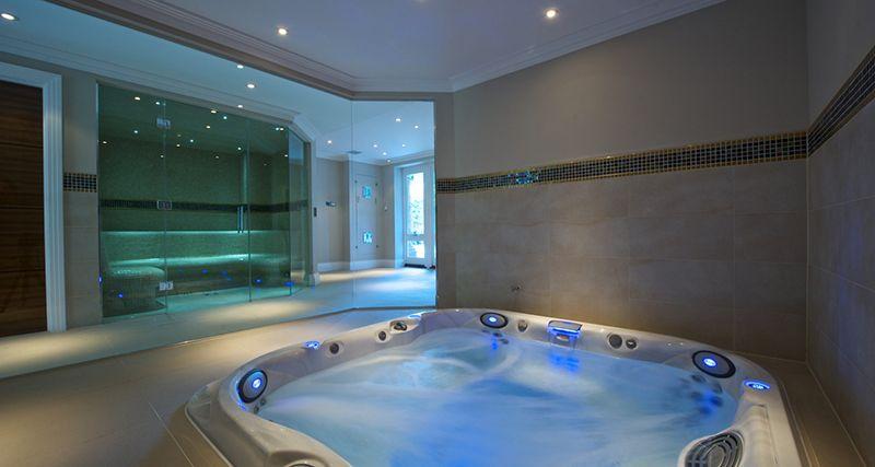 20 Indoor Jacuzzi Ideen Und Whirlpools Für Ein Warmes Bad Entspannung Stichworte Indoor Jacuzzi Bathtub Design Bathtub Remodel