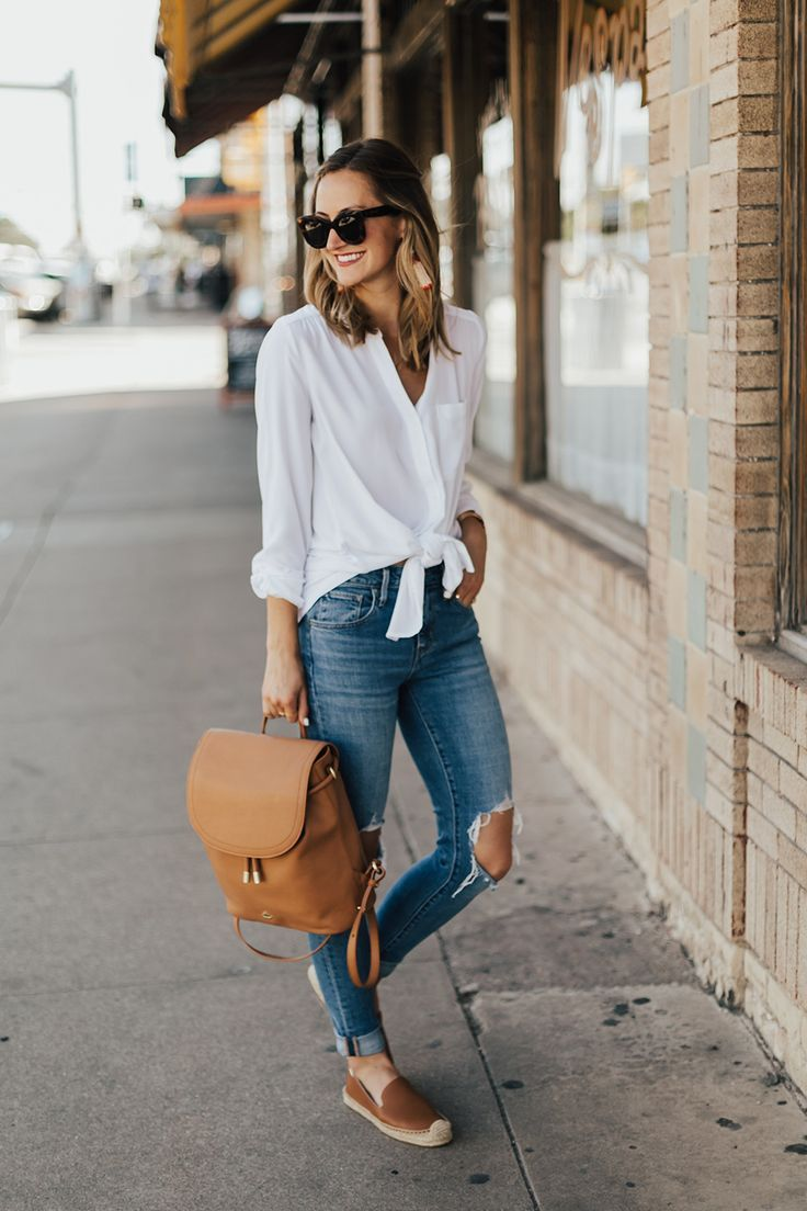 ded8bb8d89a White shirt and jeans First day of college outfit University outfit Casual  style ideas