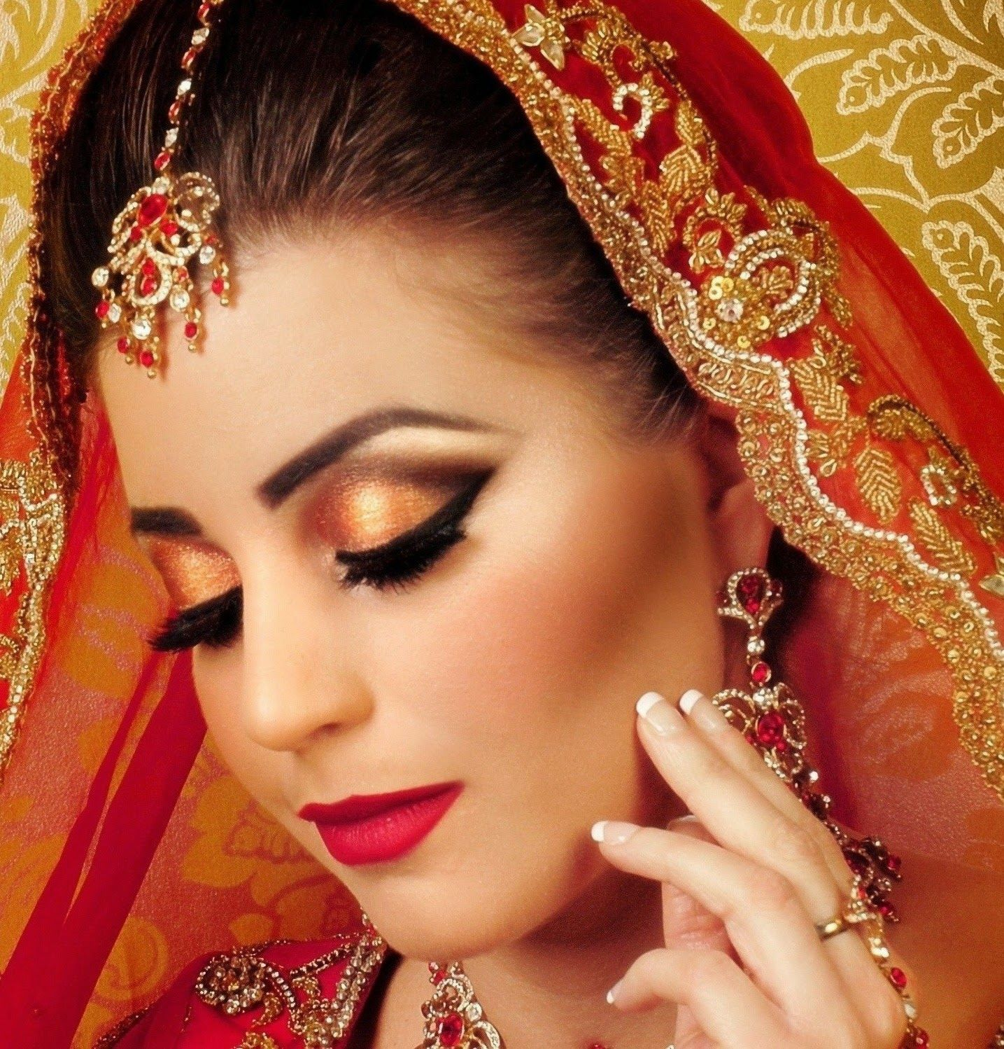 Beautiful And Latest Dulhan Wedding Makeup 2014 2015 Wallpapers