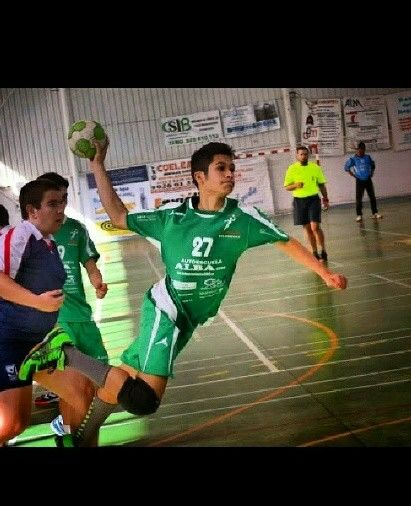 I like handball because is the best sport!