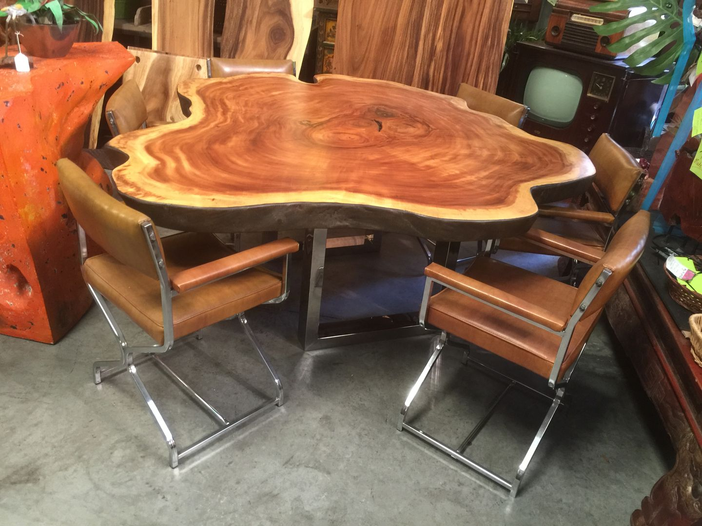 Save On Rustic Dining Tables And Furniture Made From Solid