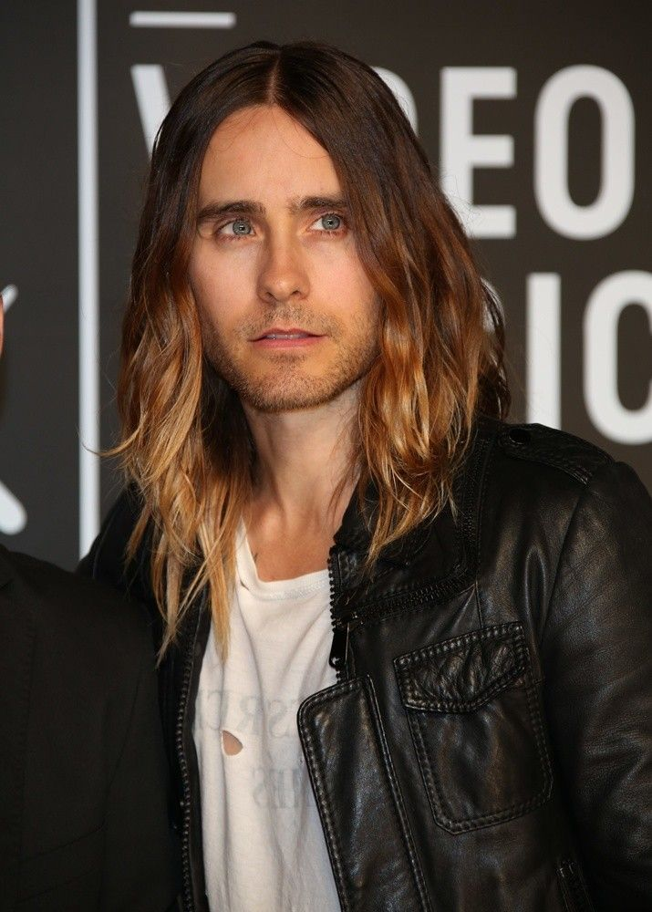 Is it kind of crazy of me to be totally loving Jared Leto's hair color...lol I was thinking that during The Grammy's on Sunday and kind of want to do this someday...bahaha I'm so weird.