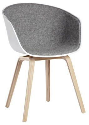 fauteuil rembourre about a chair 4 pieds tissu face interne exterieur blanc interieur tissu gris clair hay
