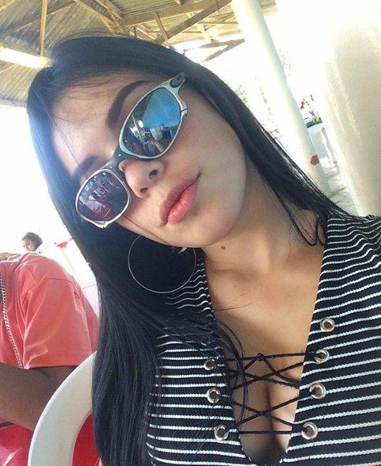 04f26d260 Maloka | Malokas | Fotos para fake feminino, Meninas chavosas e Fotos com  oculos
