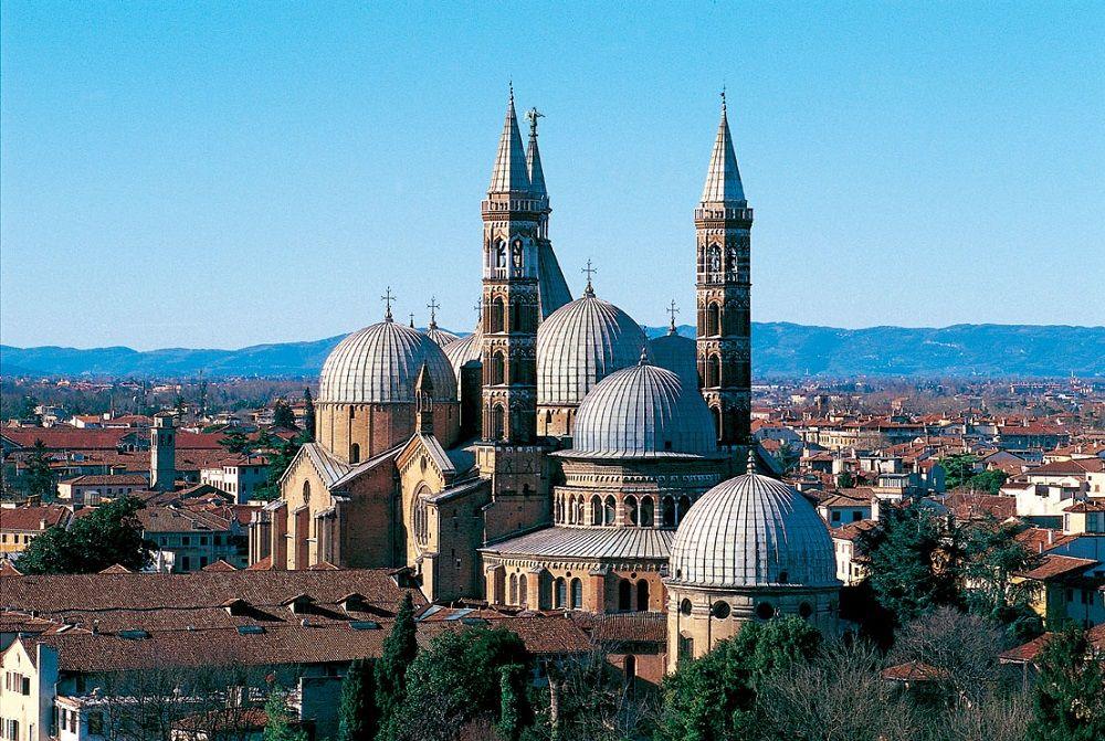 La basilique saint antoine de padoue office de tourisme de padoue voyagespassionterre road - Alba italie office du tourisme ...