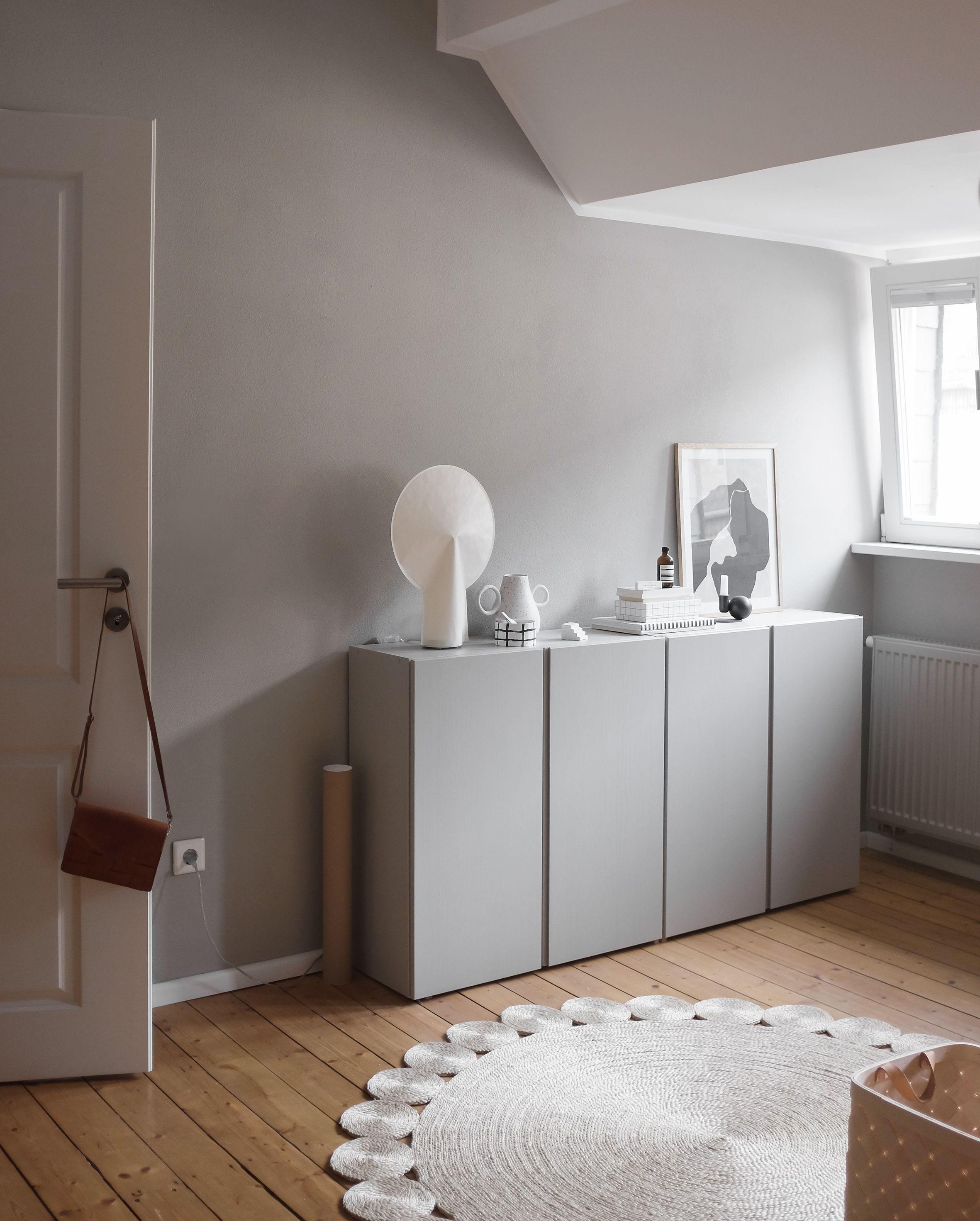 Wandfarbe Greige In Swantjes Schlafzimmer Von Www.kolorat.de #kolorat # Wandfarbe #