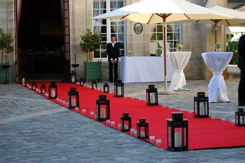 tapis rouge lanternes ch teau pape cl ment. Black Bedroom Furniture Sets. Home Design Ideas