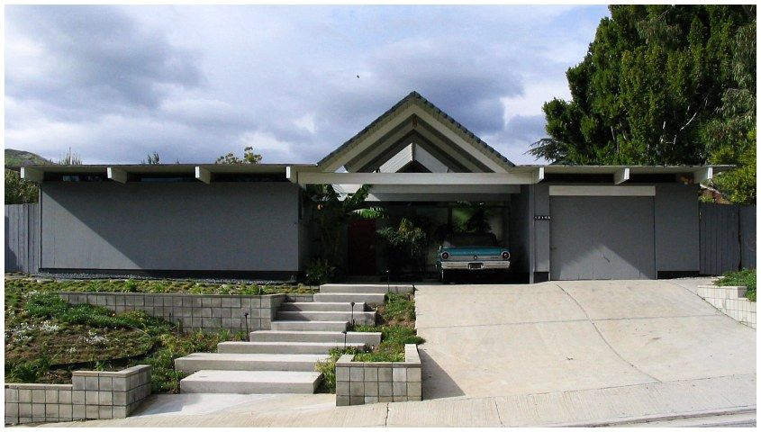 New Palm Springs home constructions based on original Eichler ...