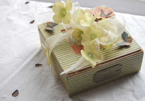 This is a Steampunk Debutante altered art box using one sheet of Domestic Goddess and Metal Staples. Lovely May Art Ribbon! By Joanna Hardy #graphic45 #mayarts #DIY