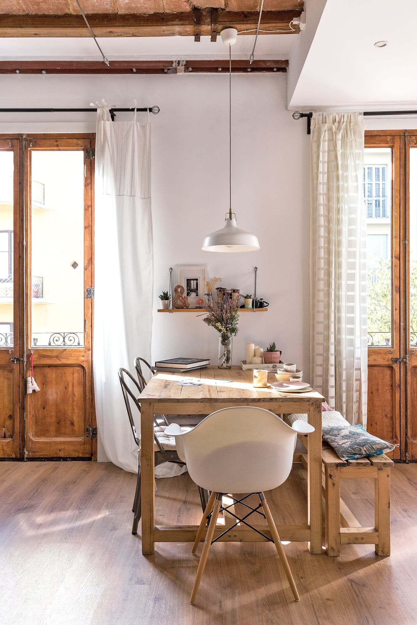 Nous allons visiter un appartement à Barcelone lumineux et chaleureux. Dans un style rustique et scandinave, un joli mix à découvrir sur le blog.