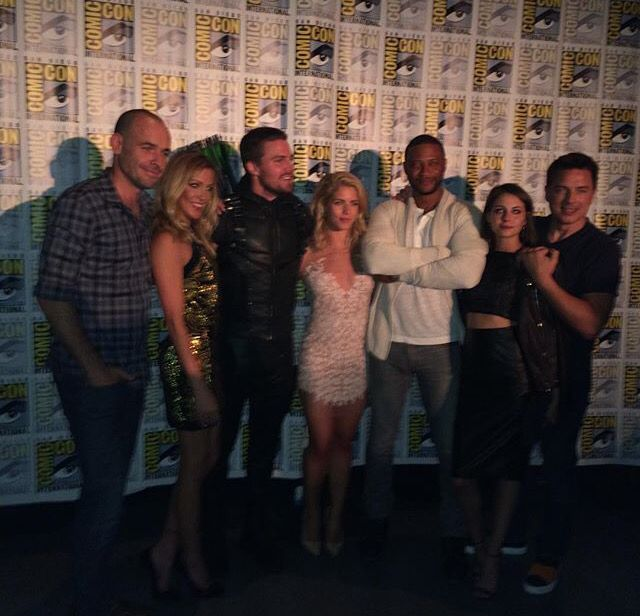 Captain Lance, Laurel, Oliver, Felicity, Diggle, Thea and Malcolm