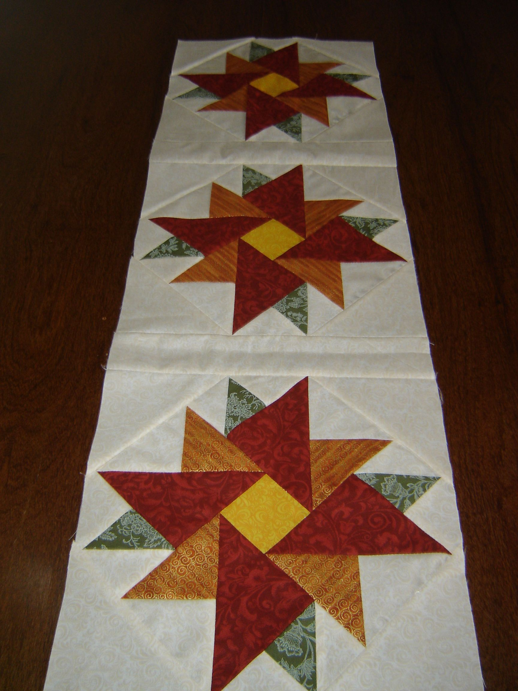 Trilho Bed Runners Pinterest Quilt table runners Patchwork