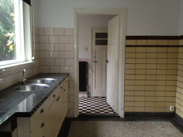 Tegels jaren 30 geel 3d ontwerp monique van waes jaren 20 - Deco toilet ontwerp ...