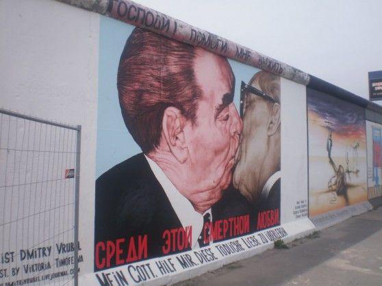 I 10 Graffiti Piu Belli Del Muro Di Berlino Muro Di Berlino