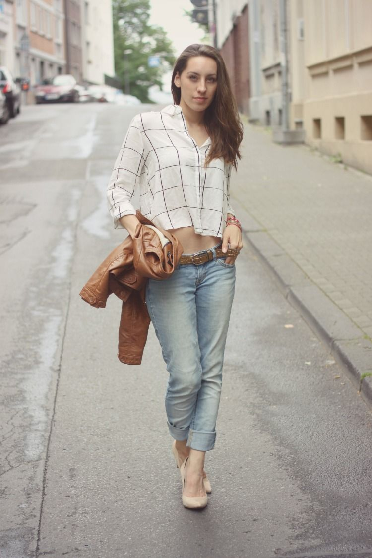 cropped top  for more details follow the link