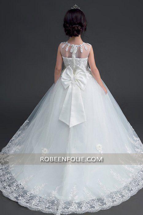 a6a8af9f48a48 Robe de mariée princier pour enfant avec grande traîne