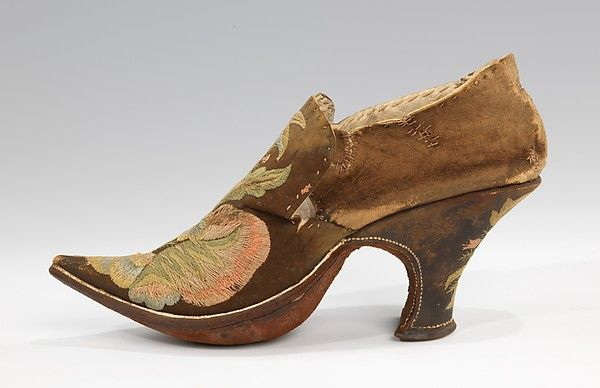 Date: 1690–1710 Culture: European Medium: leather, silk Dimensions: 5 x 8 in. (12.7 x 20.3 cm) Credit Line: Brooklyn Museum Costume Collection at The Metropolitan Museum of Art, Gift of the Brooklyn Museum, 2009; Gift of Herman Delman, 1954 Accession Number: 2009.300.1478a, b
