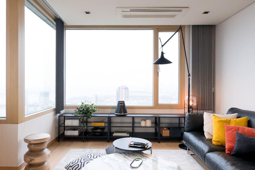 Bright Modern River View Coex Gangnam Apartments For Rent In Gangnam Gu Seoul South Korea Home Apartment Design Tropical House Design