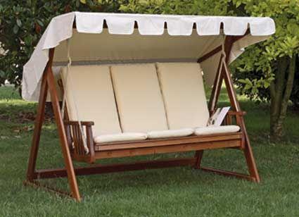 Este columpio muy confortable de matera y tejido blanco - Columpios de terraza ...