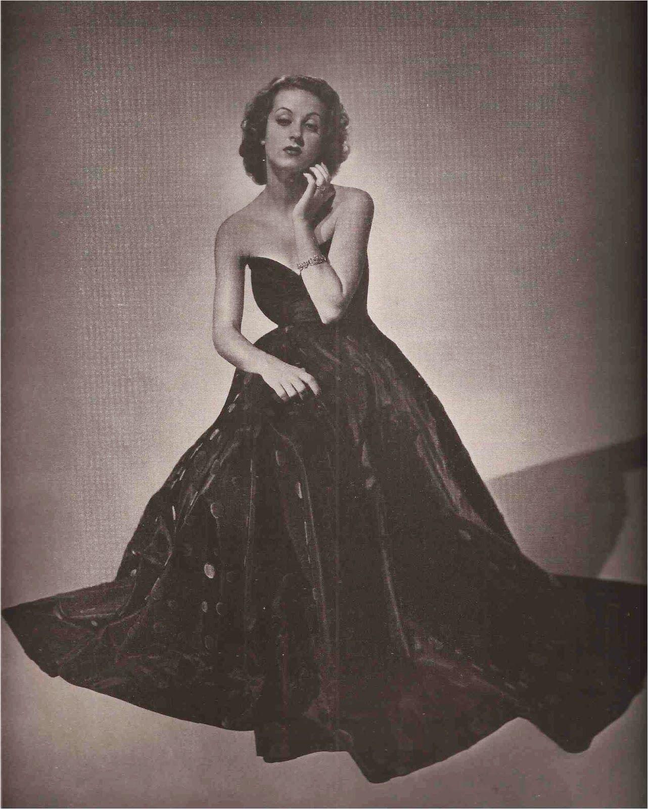 Danielle Darrieux dressed by Saks Fifth Avenue\'s Salon Moderne ...