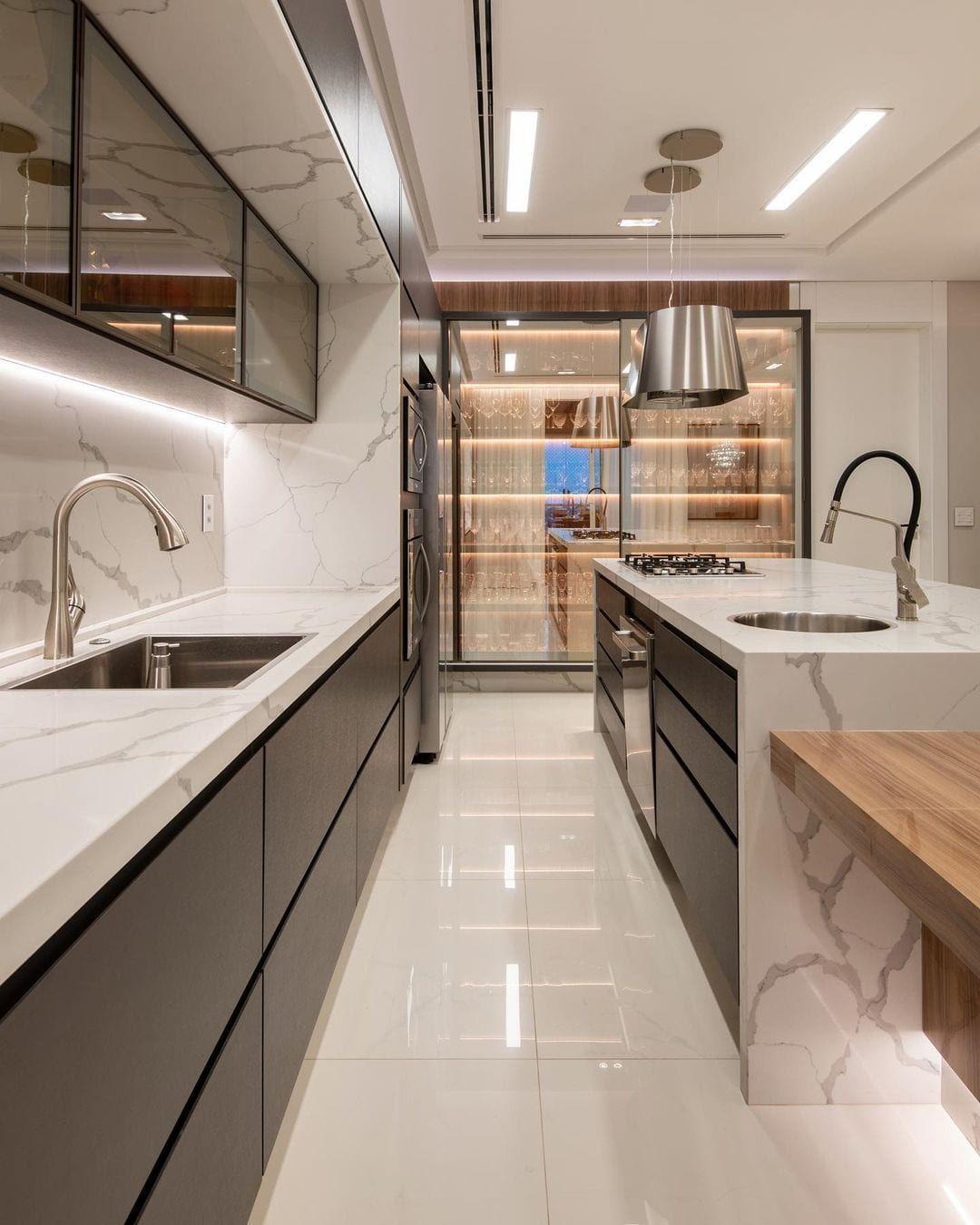 Cozinha grande: 60 formas de decorar e mobiliar esse cantinho da casa