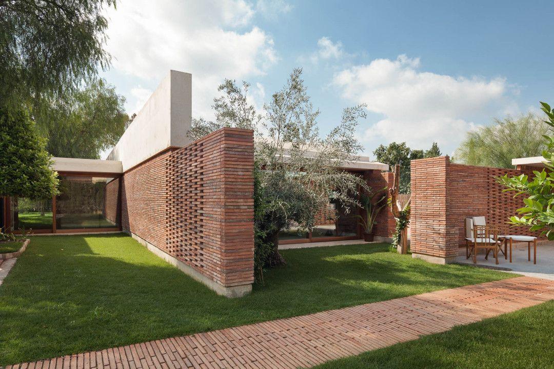 La casa iv es una ampliaci n de una vivienda unifamiliar aislada ubicada en el campo de elche - Casas de campo en elche de bancos ...