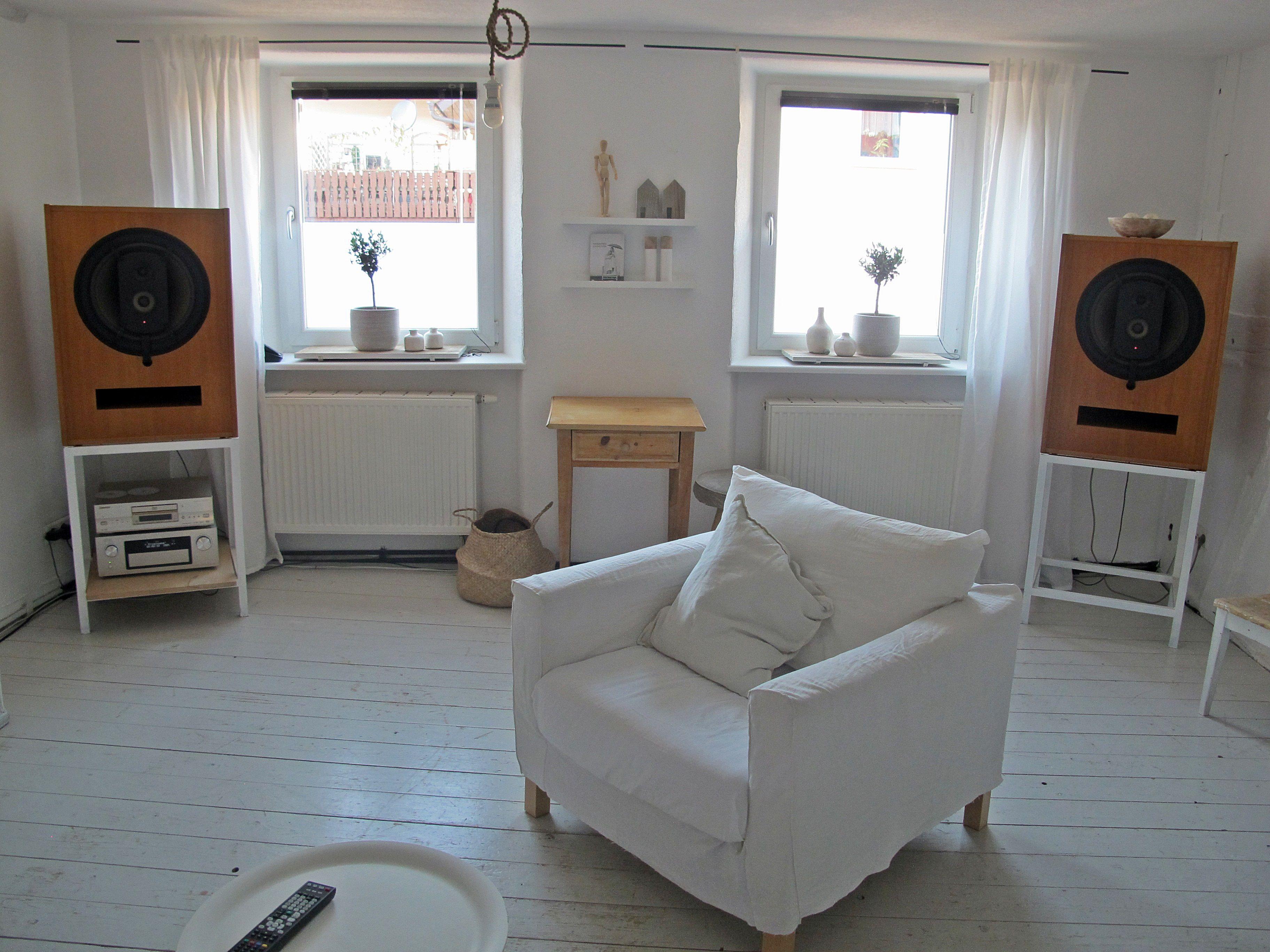 fascinating high end living room design   Living Room, ME Geithain RL900   Living room designs ...