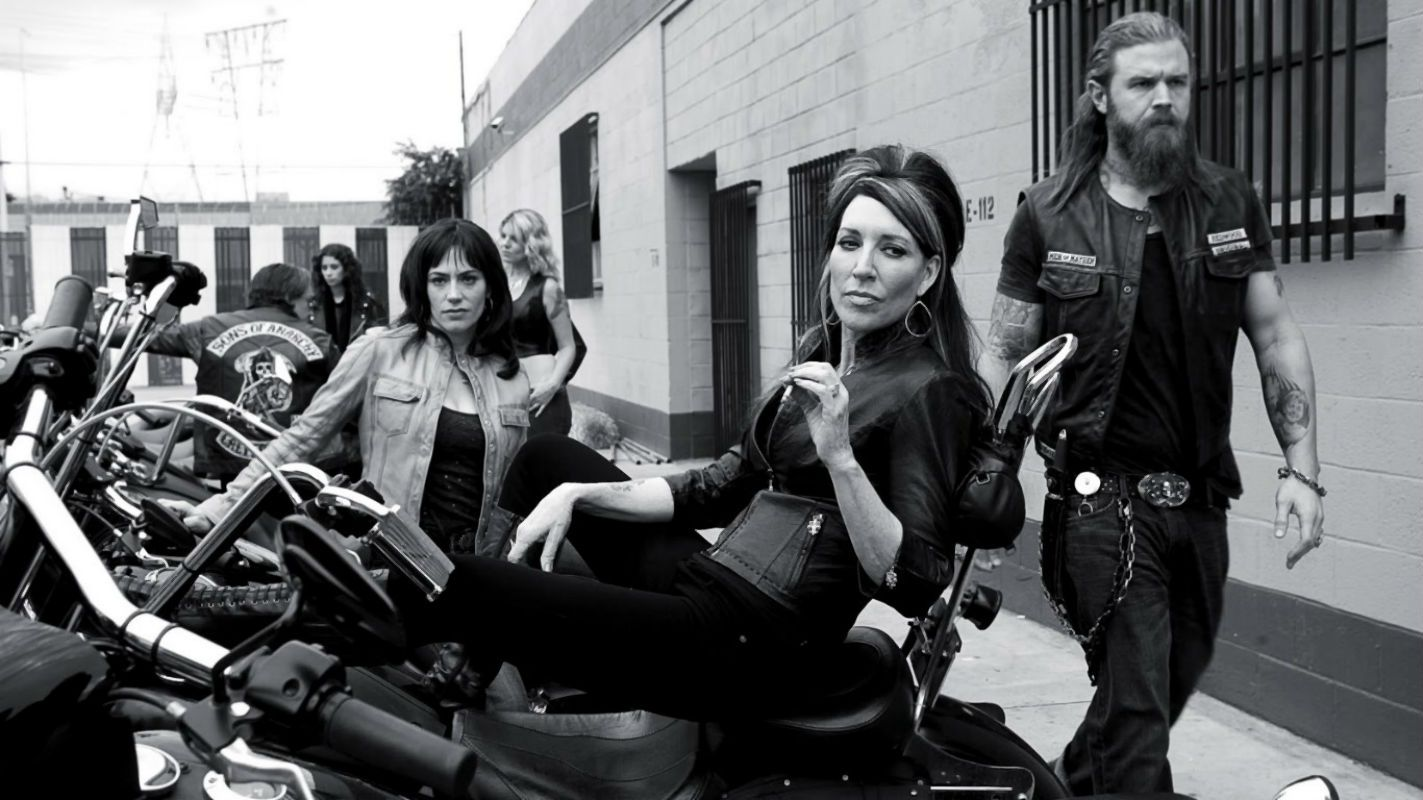 Katey Sagal Ryan Hurst And Maggie Siff In Sons Of Anarchy 2008 Sons Of Anarchy Anarchy Sons Of Anarchy Samcro