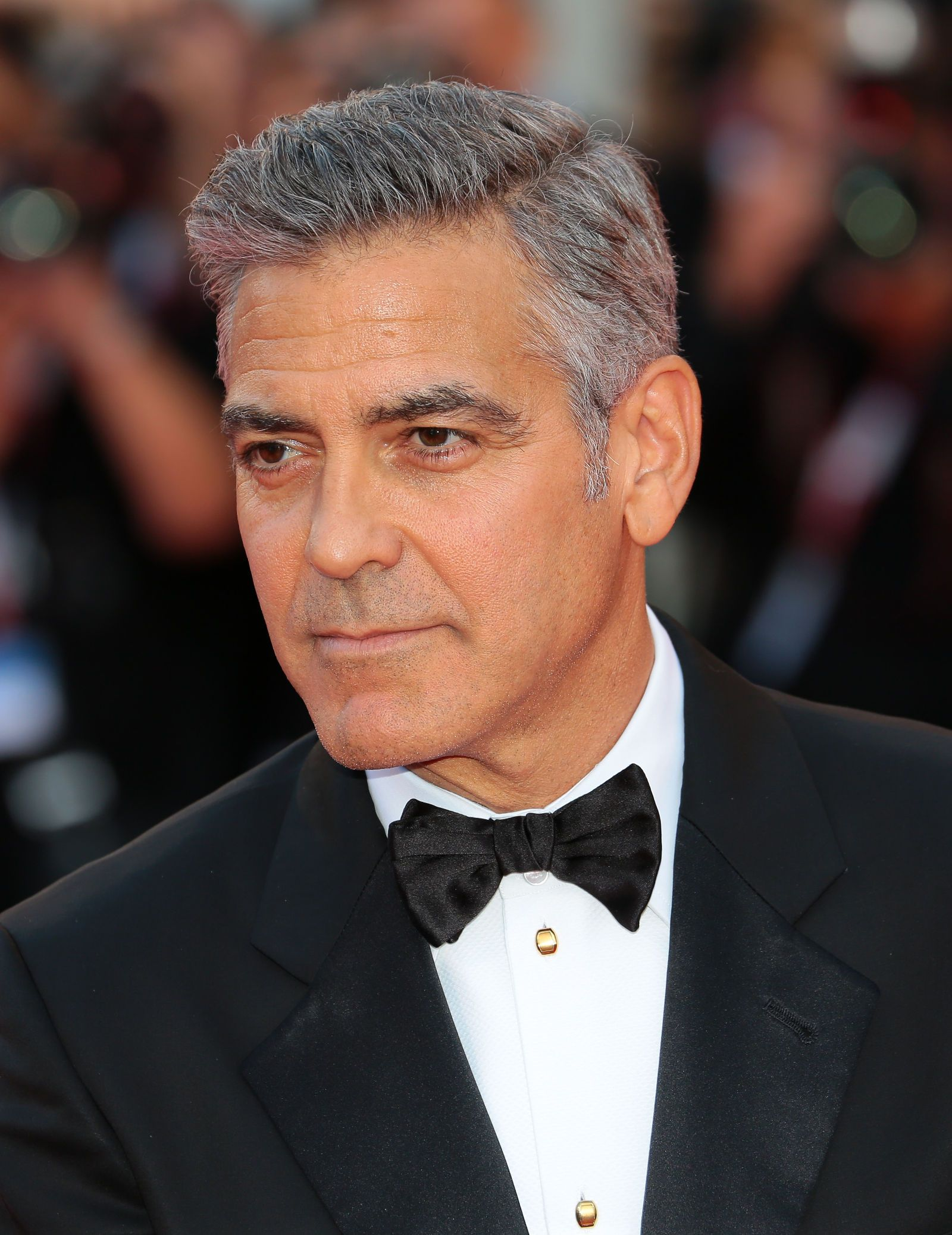 glorious hairstyles for men with grey hair aka silver foxes