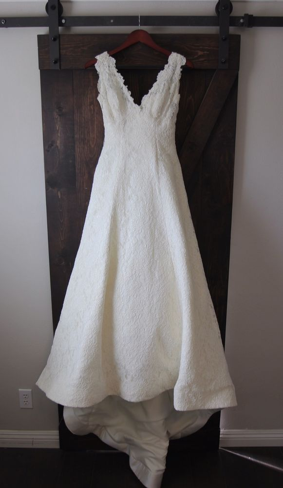 Watters Bride Ivory Lace Wedding Gown Dress Sample Size 0   Clothes ...
