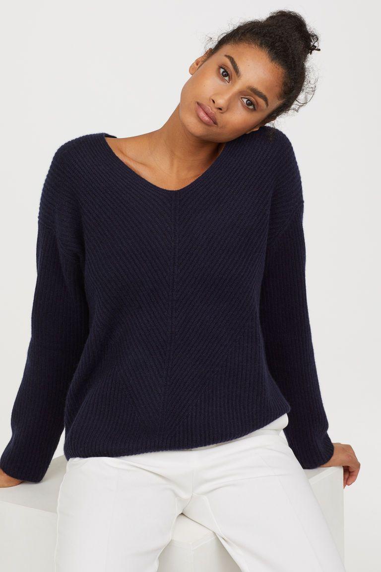 cc7d7fe606 V-neck Cashmere Sweater - Dark blue - Ladies