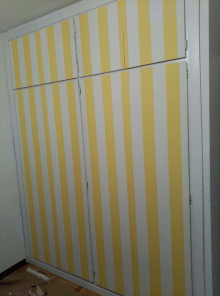 Cambio de look total para un armario viejo pintar las - Vestir un armario por dentro ...