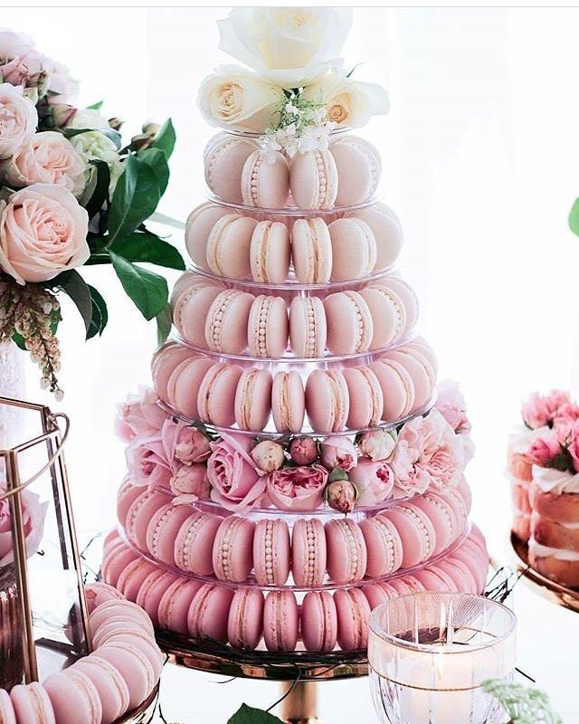 Jazz Up Your Dessert Table With A High Dose Of Sweetness We Are Super Enchanted With This Macaron Macaroon Wedding Cakes Pink Dessert Tables Wedding Macarons
