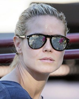 eb47173052495 Heidi Klum in Persol Sunglasses