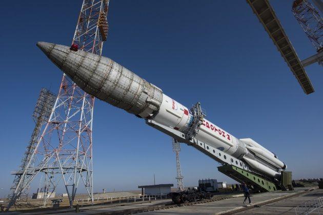 ExoMars con il razzo Proton-M a Baikonur, prima del lancio