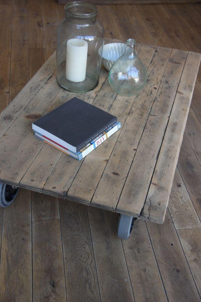 Table basse petite belette