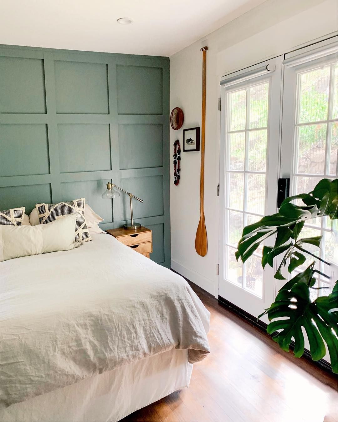 It S No Surprise That Sherwin Williams Calls This Accent Wall Paint Color Retreat Sw 6207 Could There Green Accent Walls Accent Wall Paint Accent Wall Colors