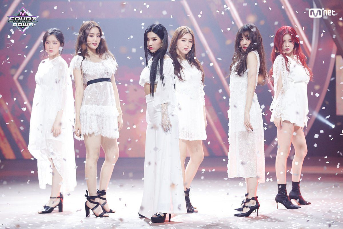 Pin By Jin Hua On Female Idols Stage Outfits Kpop Girls Hann Girl Sday