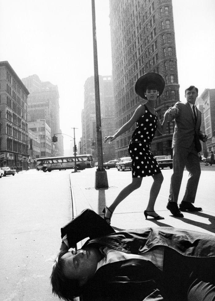 The Man from U.N.C.L.E. David McCallum (prone), Katherine Carpenter and Robert Vaughn in New York, 1965. Photo: Jerry Schatzberg.