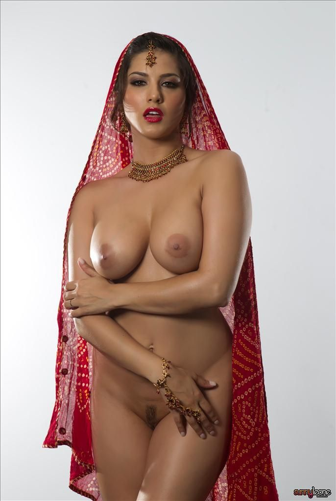 Sunny Leone Traditional Indian Style Pictures  Sunny -3482