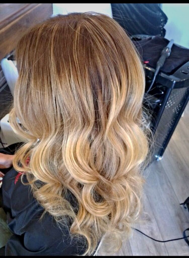 Norma Jean used a blend of baby lights & balyage to get this beautiful blonde. #dimilohair