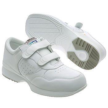 Man Week: Mark Weighs in on Men's Ugly Shoes www.treesaro.blogspot.