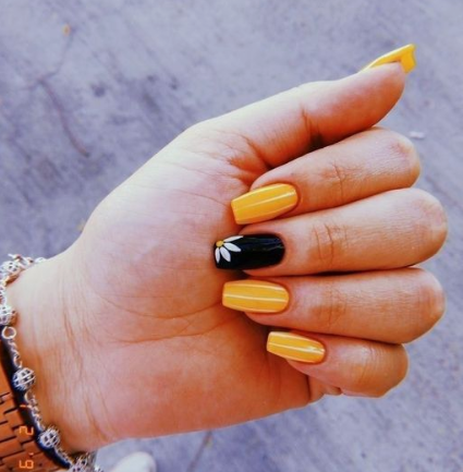 Black Yellow Orange Sunny Flower Nails Cute Style Girl In 2020 Pretty Acrylic Nails Sunflower Nails Best Acrylic Nails