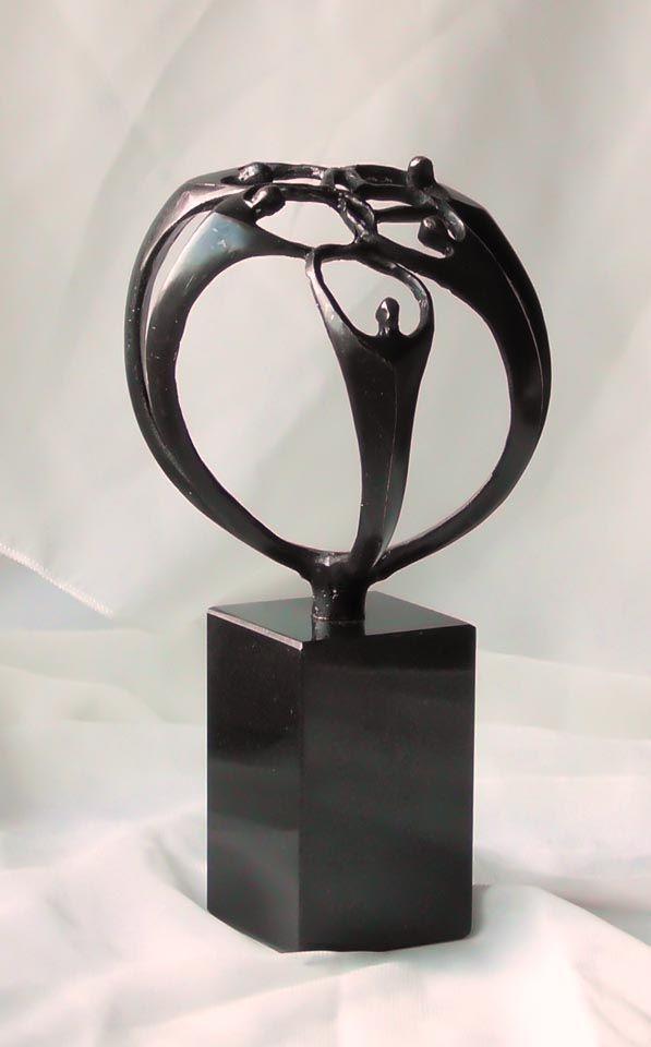 Eine ganz besondere Kunst und Deko Skulptur aus Bronze für die - moderne skulpturen wohnzimmer