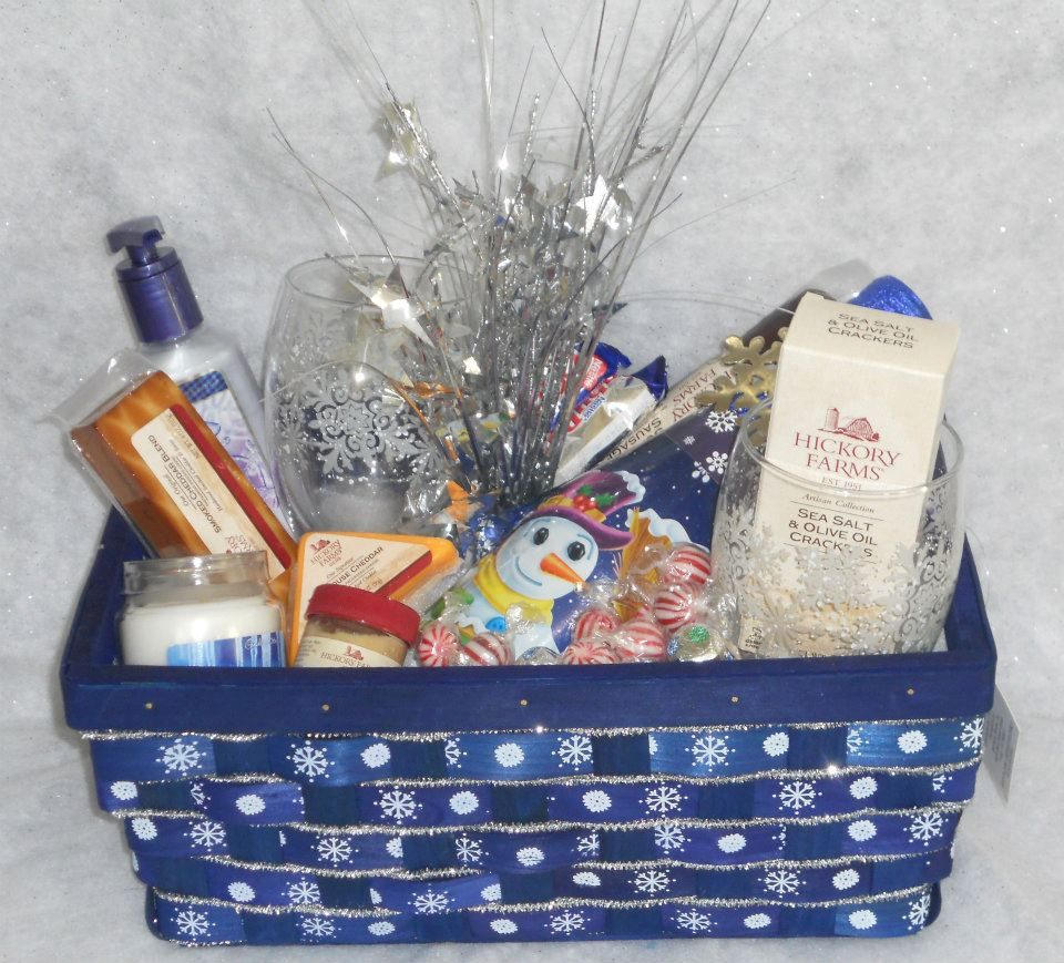New Years Gift Basket | Gifts for office, Business gifts ...