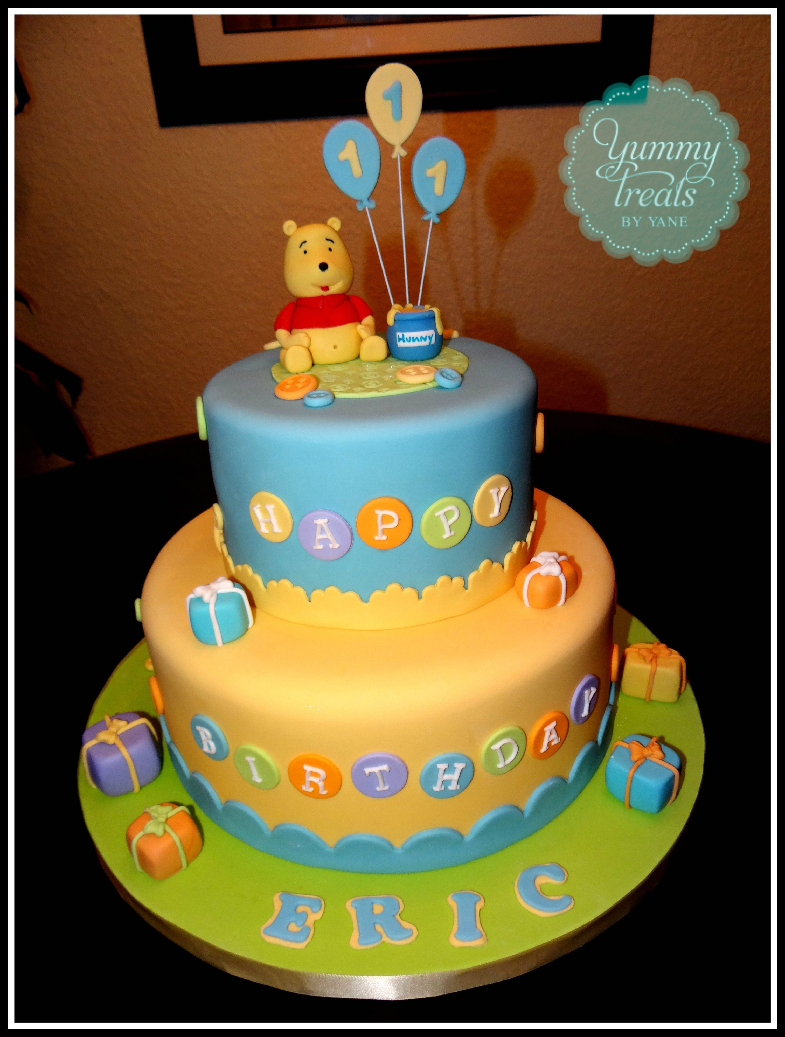 Winnie the Pooh First Birthday!  Cake: Winnie the Pooh  Pinterest ...