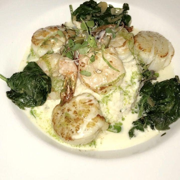 Seared scallops and shrimp!