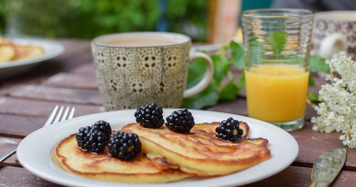 11 Surprising Ways To Know You Shouldn T Eat Gluten Even If You Aren T Allergic Food Eat Banana Pancakes Recipe