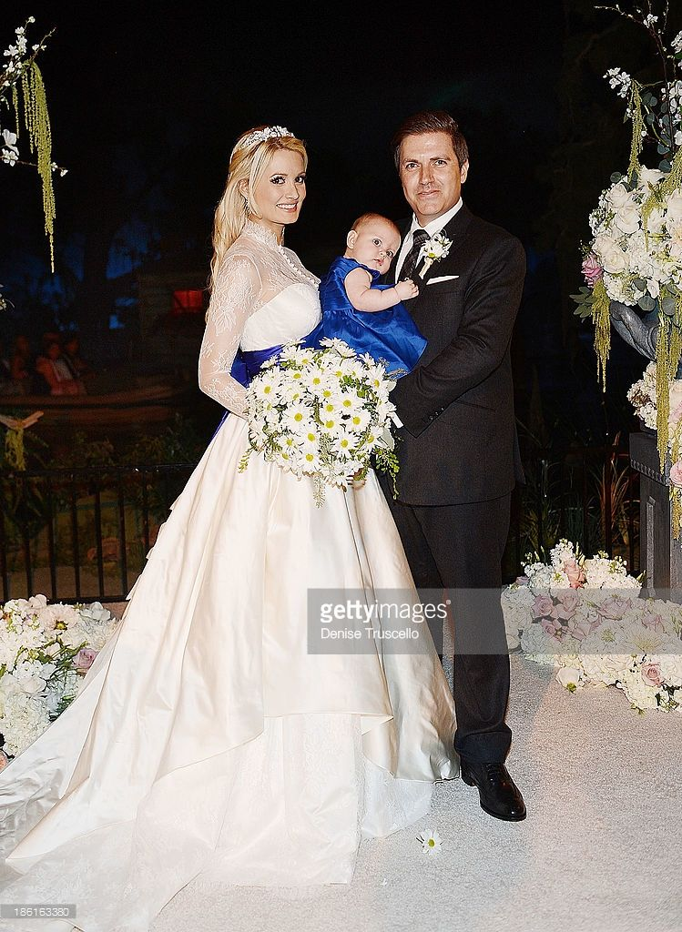 Holly Madison Rainbow Rotella And Pasquale Rotella Pose For Photos Celebrity Wedding Dresses Wedding Dresses Unique Madison Wedding